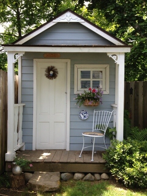15 stunning garden shed ideas for Build a small guest house backyard